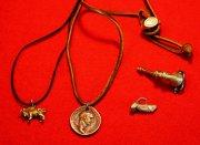 Символ легиона, монета и амулет