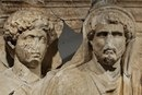 Марк Аврелий и Антонин Пий.