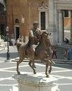 Конная статуя Марка Аврелия (совр. копия). Бронза. Рим,