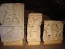 Рельефные изображения гладиаторов. Археологический