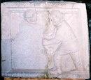 Рельеф, изображающий сражающихся гладиаторов.