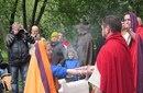 Римская свадьба. Жрец дает хлеб жениху и невесте.