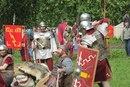 Сражение  римлян с варваром.