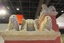 Два льва и сфинкс с надгробного монумента.
